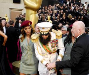 Sacha Baron Cohen fait le buzz aux Oscars 2012