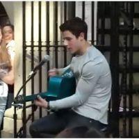 Nick Jonas en mode One Direction : sa reprise de What Makes You Beautiful (VIDEO)