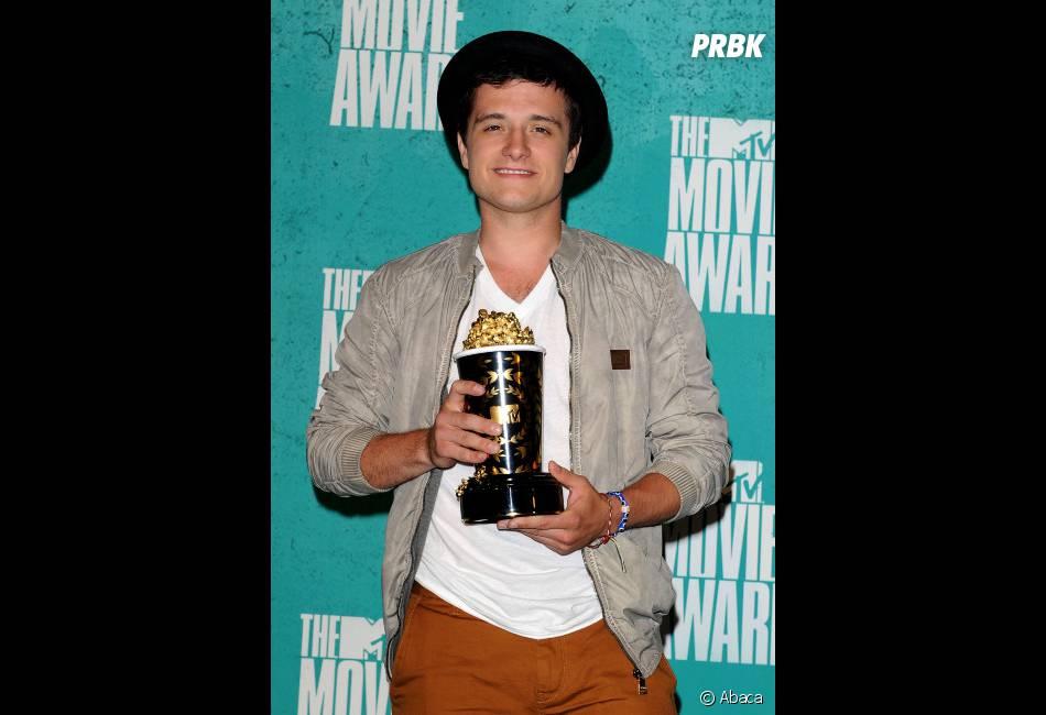 Josh Hutcherson beau gosse aux MTV Movies Awards 2012