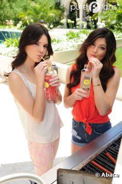 Pool party pour Kendall et Kylie !