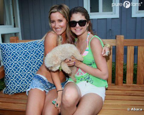 Ashley Tisdale et Selena Gomez prennent la pose !