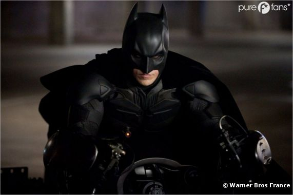Batman pourrait s'écraser par terre comme une crêpe s'il essayait de voler !