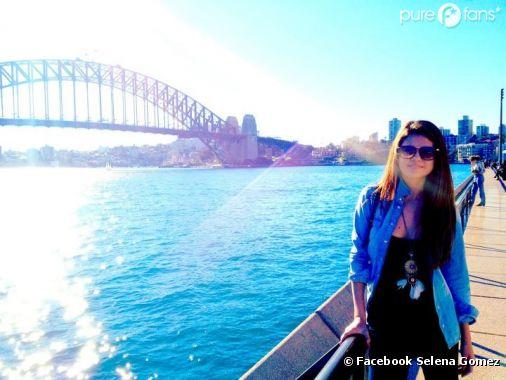 Selena Gomez prend la pose en Australie