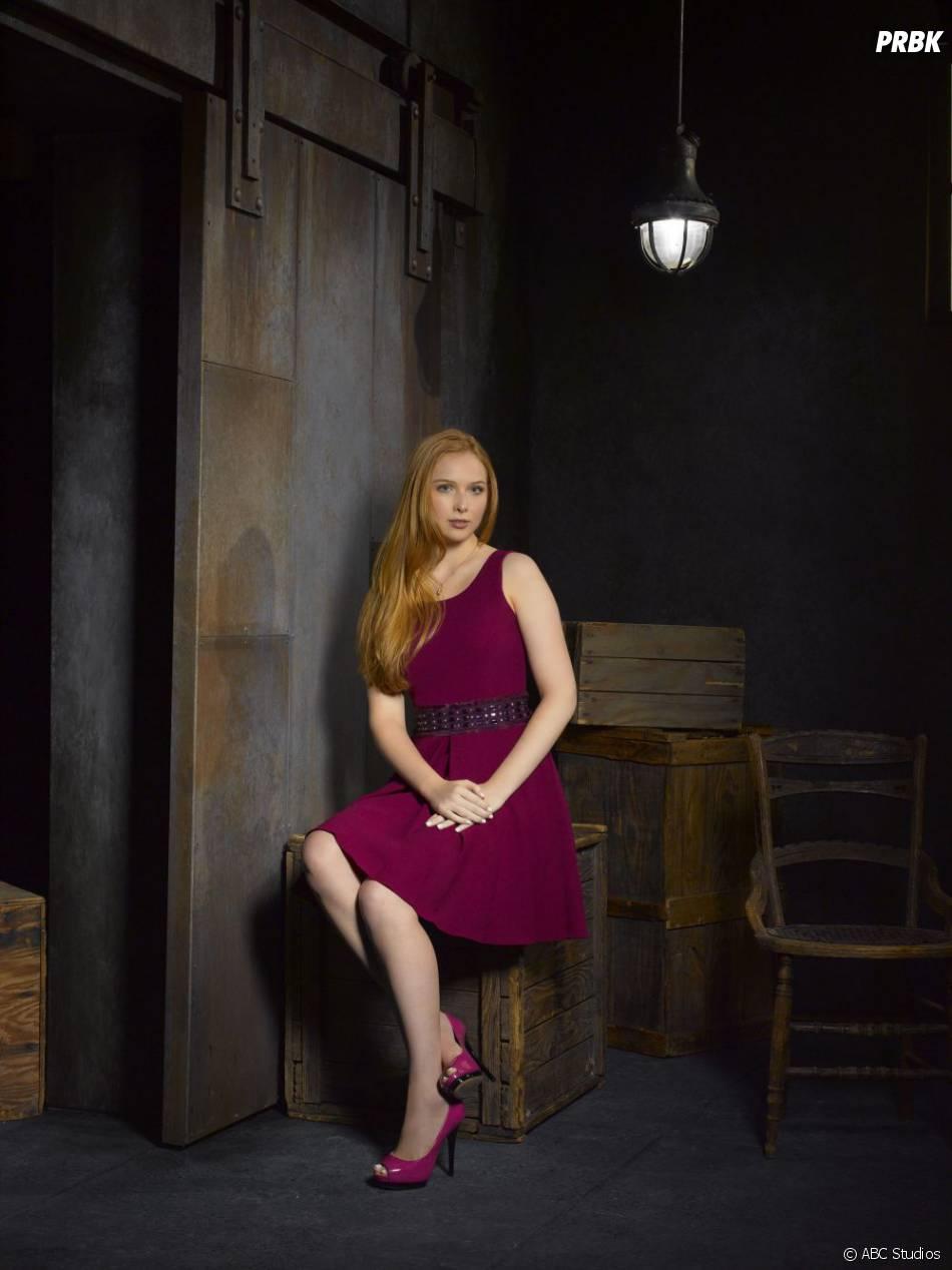 Photo promo de Molly Quinn pour la saison 5 de  Castle