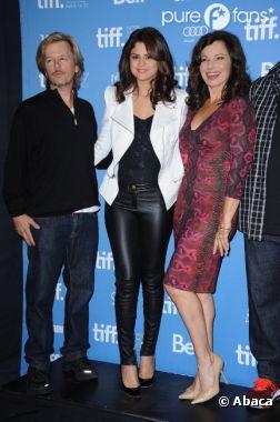Selena Gomez peut se permettre le legging en cuir !