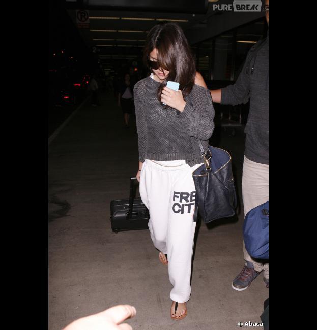 Selena Gomez pas au top lors de son arrivée à Los Angeles