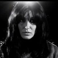 Jenifer : L'amour et moi, clip simple et émouvant pour la bombe Jen