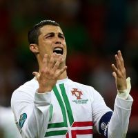 Cristiano Ronaldo : remis en place par une ado handicapée ! (VIDEO)