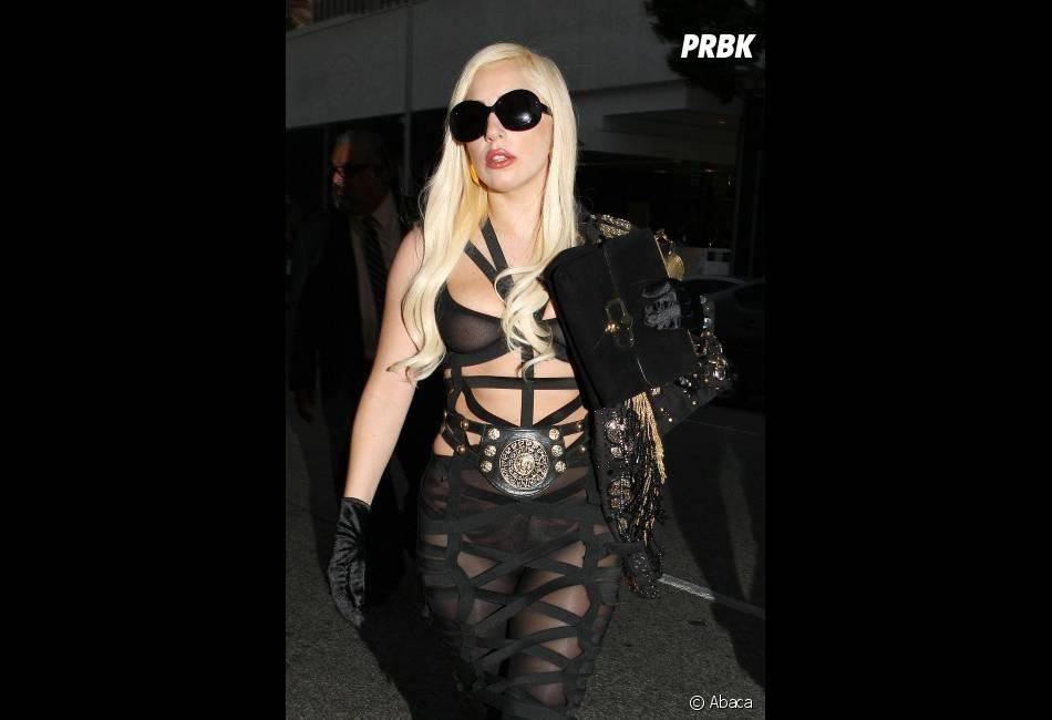 Après des tenues bizarres,Lady Gaga a une idée plutôt étrange