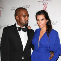 Kim Kardashian : décolleté + jambes à l'air, la totale sexy aux côtés de Kanye West (PHOTOS)