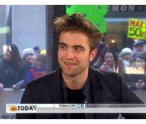 Robert Pattinson évite les questions sur sa vie privée