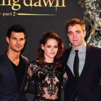Twilight 5 : Taylor Lautner, Kristen Stewart et le casting trop classes à Londres ! (PHOTOS)