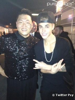 Justin Bieber et Psy : Ensemble aux AMA 2012  et bientôt en duo !