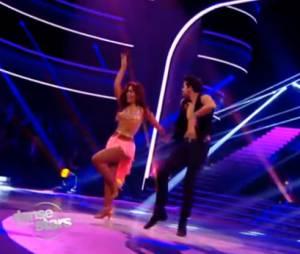 Amel Bent enflamme le plateau avec sa samba !