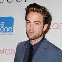 Robert Pattinson : Pas vraiment en confiance avec Kristen Stewart, il préfère mettre un peu de distance !