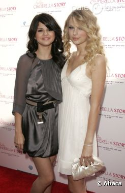 Selena Goemz et Taylor Swift adorent rapper ensemble !