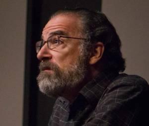 Saul a retrouvé Carrie  à la fin de l'épisode 12 de la saison 2 de Homeland