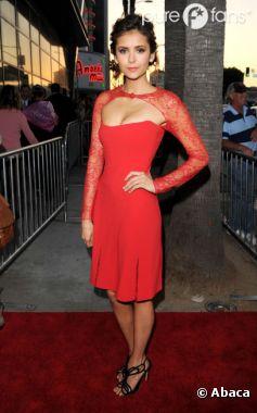 Nina Dobrev ferait une magnifique James Bond Girl