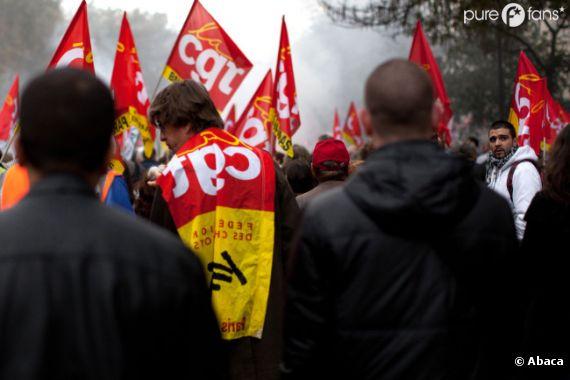 Les syndicats manifestent pour montrer leur mécontentement.