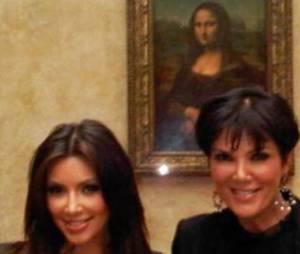 Kim Kardashian se tweete au Louvre. Louis Sarkozy fera-t-il pareil ?