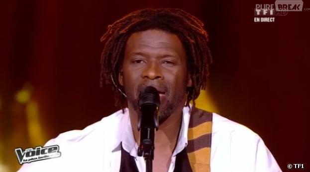 Emmanuel Djob a interprété L'encre de tes Yeux de Francis Cabrel dans The Voice 2.