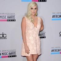 """Kesha : """"On s'envoie des textos avec Harry Styles"""""""