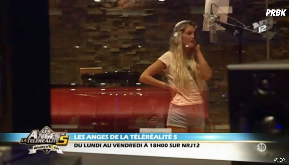 Aurélie, après mannequin, elle devient chanteuse dans Les Anges de la télé-réalité 5