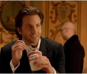 Bradley Cooper, star de la dernière pub Häagen-Dazs