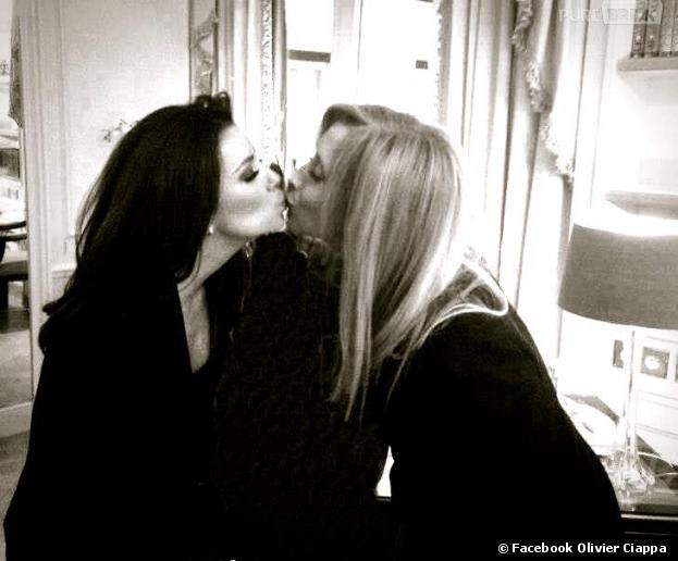 La photo de Lara Fabian et Eva Longoria est un fake