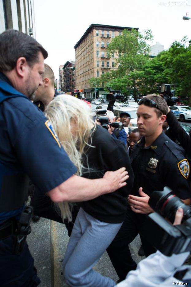 Amanda bynes veut porter plainte contre la police de new - Porter plainte combien de temps apres ...