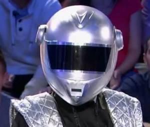 """Jonathan Lambert déguisé en Daft Punk sur le plateau de """"On n'est pas couché"""" samedi 1er juin"""