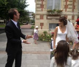 Raymond Domenech a joué les photographes au mariage de Jean-Philippe Doux et de Solène Chavanne