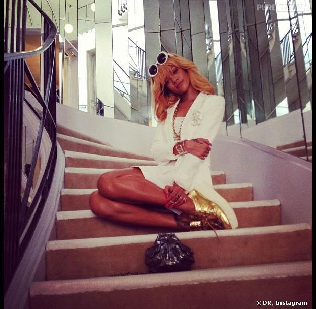 Rihanna sur l'escalier Chanel à Paris pour le Diamonds Tour en juin 2013