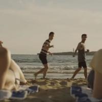 BB Brunes : Aficionado, le clip-karaoké au camping de la plage