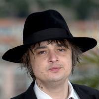 Pete Doherty : son projet fou ? Vendre les mégots d'Amy Winehouse et de Kate Moss