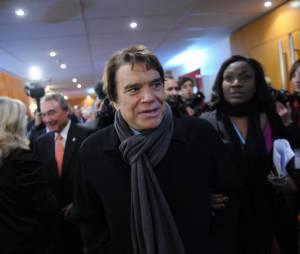 """Bernard Tapie mis en examen pour """"escroquerie en bande organisée"""""""