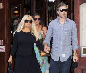 Jessica Simpson et son fiancé Eric Johnson de nouveau parents