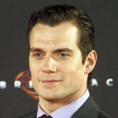 Henry Cavill : le nouveau Superman en couple avec Kaley Cuoco, la bombe de Big Bang Theory