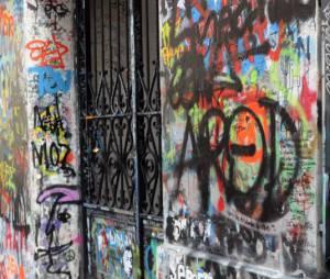 Serge Gainsbourg, les murs de sa maison rue de Verneuil, repeints