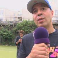 Oxmo Puccino et DJ Cut Killer : visite auprès de jeunes bénévoles d'Orange RockCorps 2013