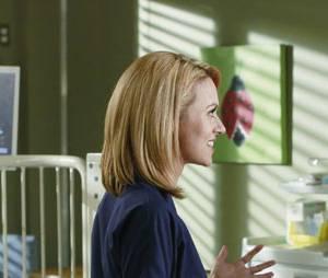 Grey's Anatomy saison 10 : Hilarie Burton laisse tomber la blouse