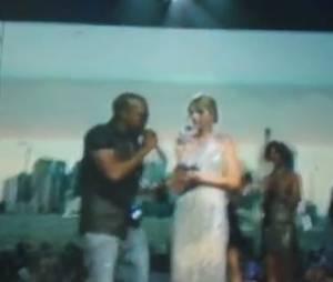 Taylor Swift humiliée par Kanye West lors des MTV Video Music Awards 2010.