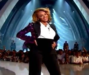 Beyoncé annonce sa grossesse lors des MTV Video Music Awards 2011.
