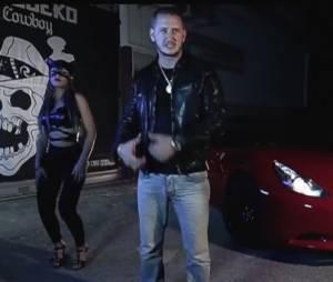 Seth Gueko bien accompagné dans le clip du titre La Chatte à Mireille