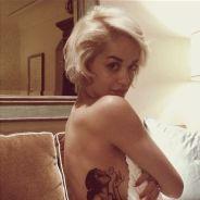 Rita Ora topless pour montrer son nouveau tatouage