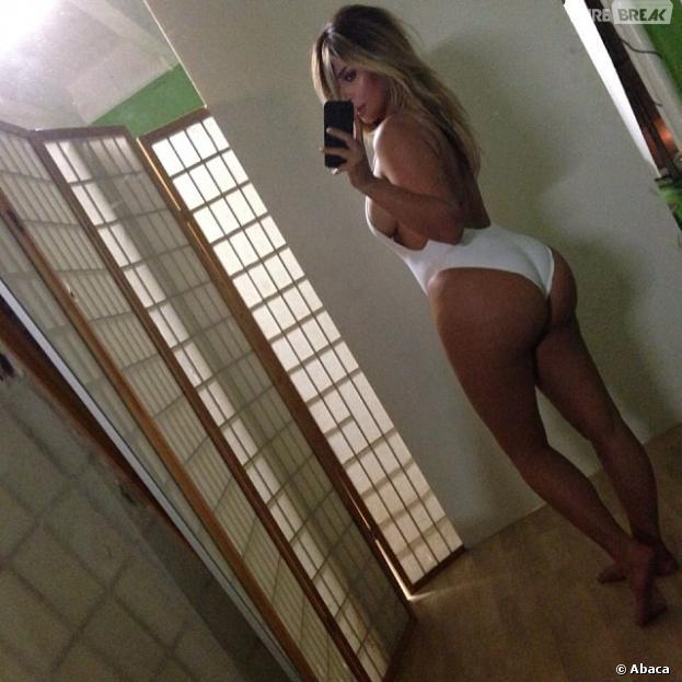 Kim Kardashian en maillot de bain sur Instagram le 17 octobre 2013