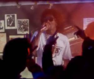 Snoop Dogg ft Dam-Funk - Faden Away, le clip officiel de 7 Days Of Funk
