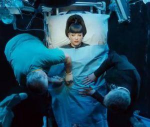 Lily Allen : le clip de Hard Out Here s'en prend à Miley Cyrus, Rihanna, Britney Spears ou encore Robin Thicke