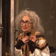 Lady Gaga au SNL : sexe simulé avec R. Kelly et mamie-star déchue dans un sketch