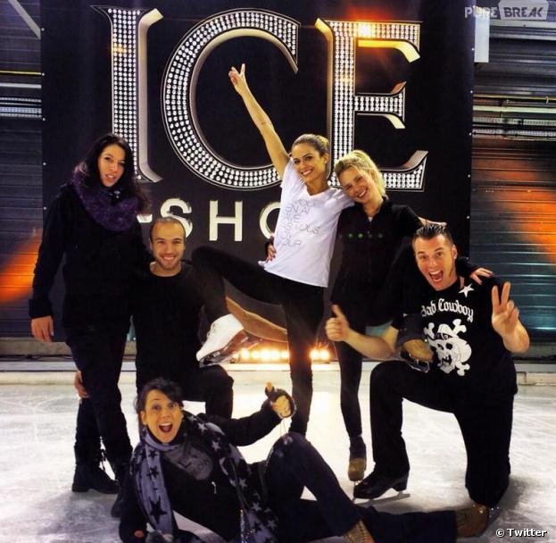 Ice Show : Norbert Tarayre pose au côté de Clara Morgane et de son équipe